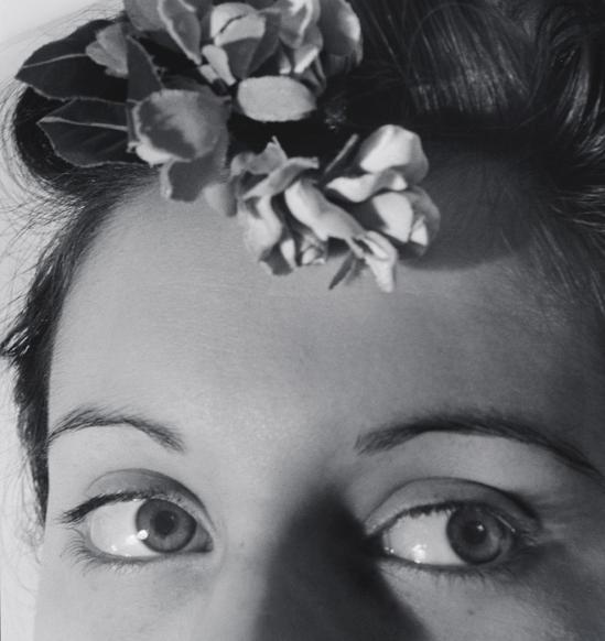 John Gutmann-Young Eyes, Flowers for the Prom, 1940