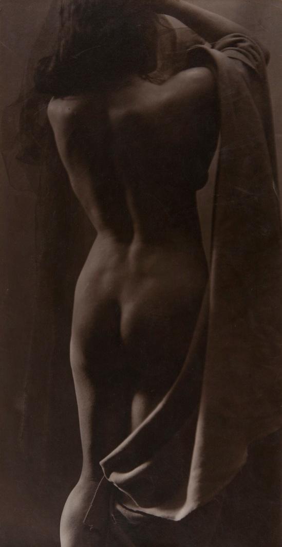 Joan Vilatoba - Sense títol, circa 1903-1905, carbó © herederos ( descendants)de Joan Vilatobà . Cortosia Galery A34