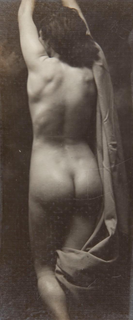 Joan Vilatobà- Nude 1905-1910 © Museu Nacional d'Art de Catalunya