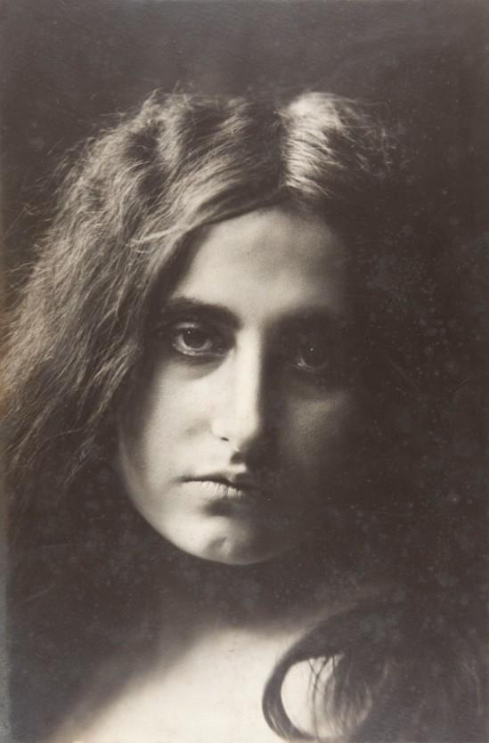 Joan Vilatobà- Portrait 1903-1904 © Museu Nacional d'Art de Catalunya