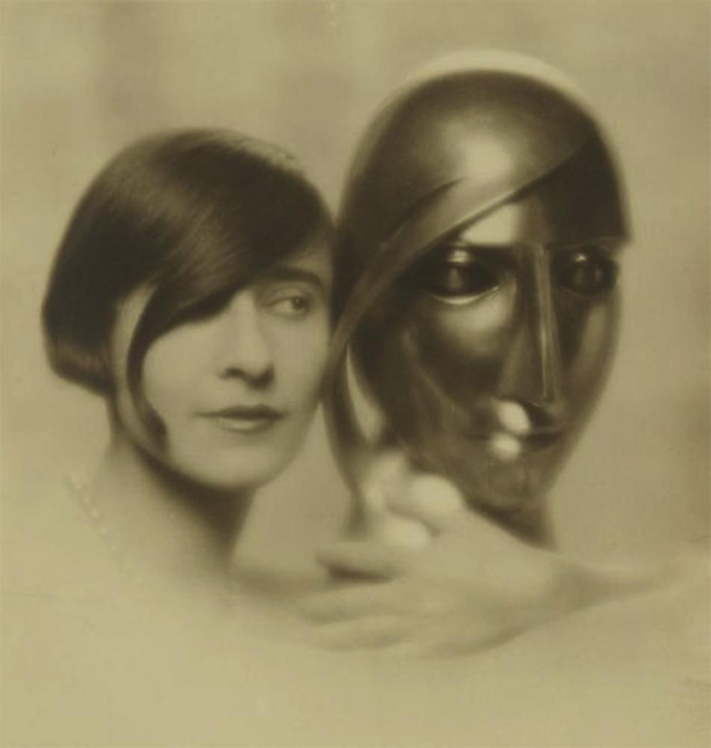 Mario v. Bucovich - Portrait de femme et sculpture, Épreuve argentique, 1928. Ader Nordmann