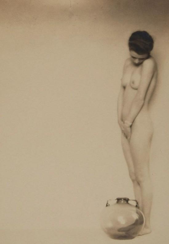Mario von Bucovich (Atelier Karl Schenker) - (1884-1934) - Untitled (Nude), 1920