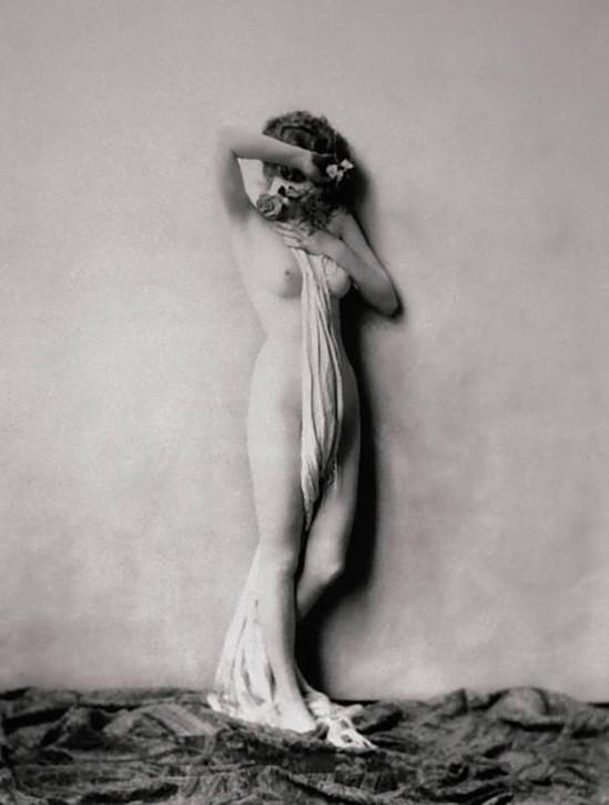 Suzanne Lauren  nackt