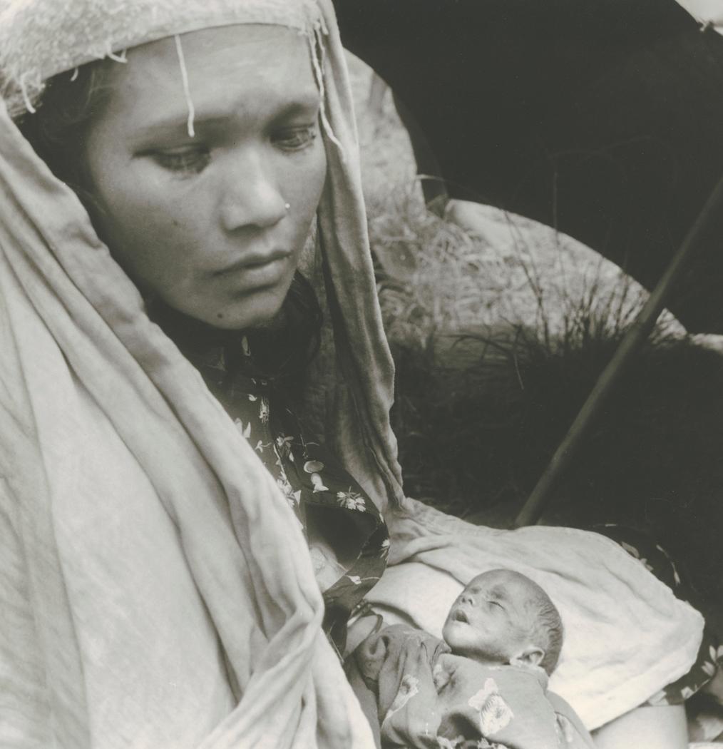 Josef Breitenbach-Mother with Sick Child, Patan, Nepal,Nepal, Patan, 1968, Gelatin silver print © The Josef Breitenbach Trust.
