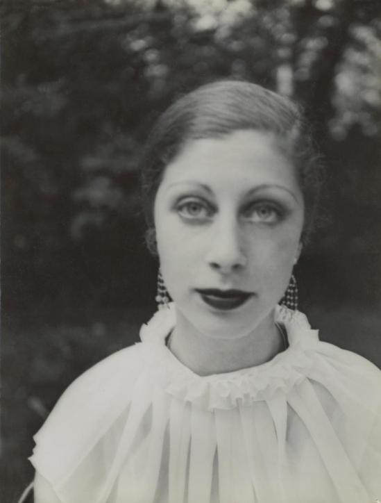 Josef Breitenbach-Portrait of Ruth Harris 1933-39 Paris, Gelatin silver print © The Josef Breitenbach Trust.