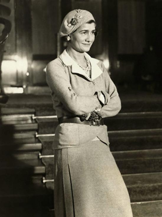 Underwood & Underwood-Gabrielle Coco Chanel in suit and beret, 1931 © Underwood & Underwood-Corbis.