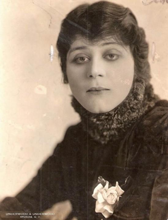 Underwood & Underwood-Theda Bara, 1916
