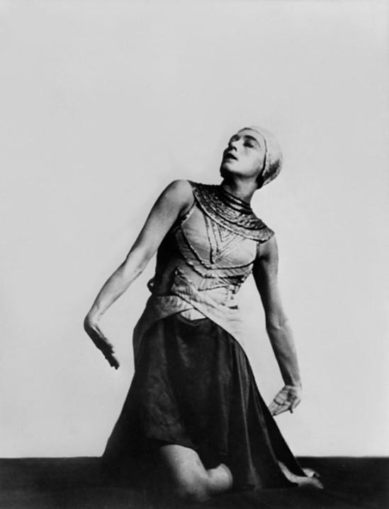 mary-wigman-in-tanz-visionen-1928-bycharlotte-rudolph_e