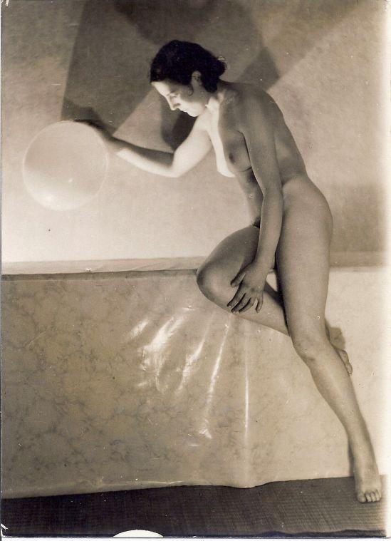 Bernard Leedham (British) -Vintage nude study -Gelatine silver print Study of mouvement , 1929