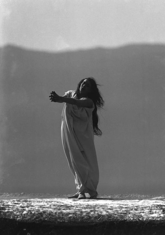 François Frédéric dit Fred Boissonnas - Magdeleine G. dansant Chevauchée de la Walkyrie, hypnotisée par Emile Magnin, 1902-1904 Négatif au gelatino-bromure d'argent sur verre.