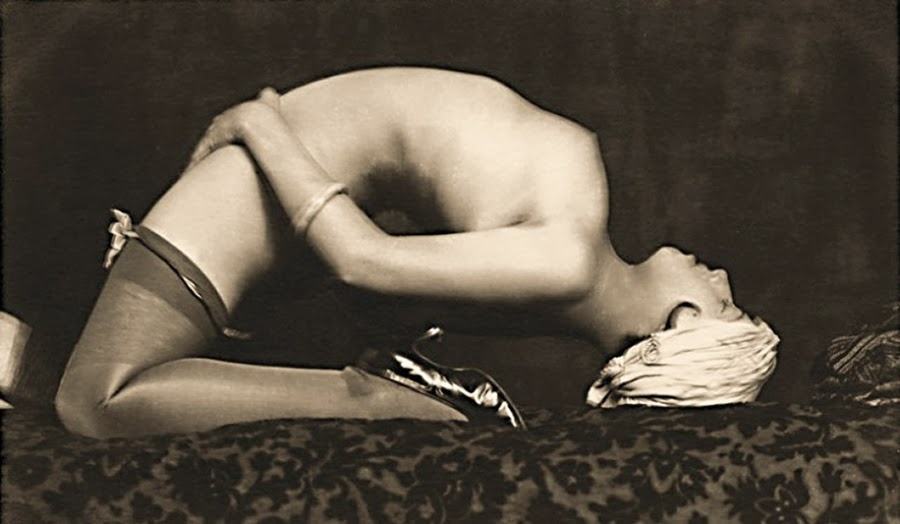 Grundworth - Accrobatic Nude pose , 1935 Gelatin silver medium postcard.