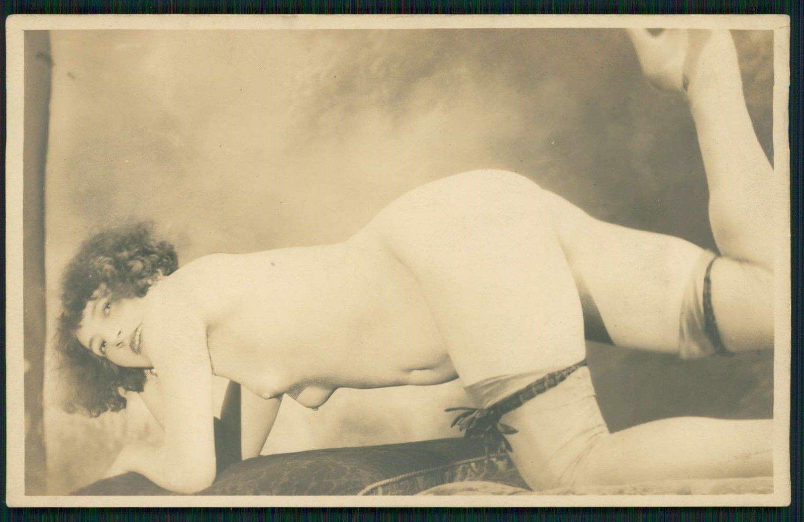 Grundworth - Femme nue, 1920s Gelatin silver medium postcard