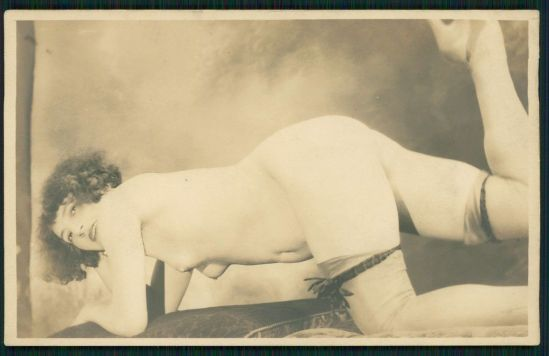Grundworth - Femme nue, 1920s Gelatin silver medium postcard