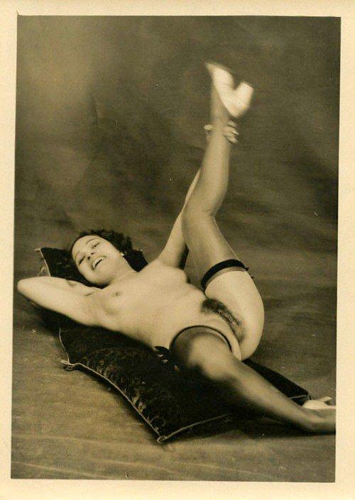 Grundworth -Postcard Studio 1925