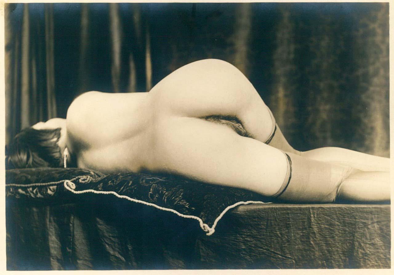 Grundworth - Reclining Nude, 1920s Gelatin silver medium postcard