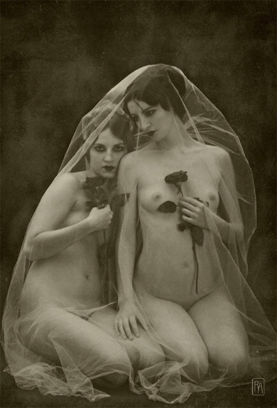 Retroatelier - Model Dixie and Rada Black Roses, 2009 1