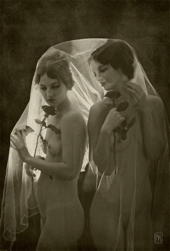 Retroatelier - Model Dixie and Rada Black Roses, 2009