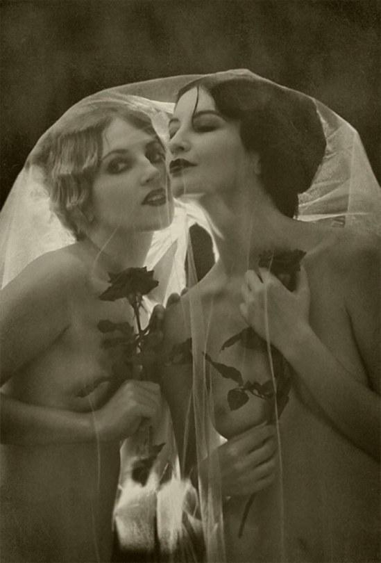 Retroatelier - Model Dixie and Rada, Exaltation from serie black roses, 2008
