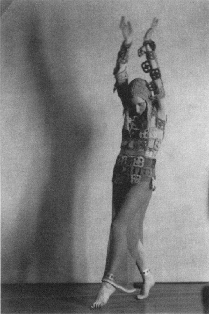 Robert de Smet - Akarova In Sicilienne, 1932 , in costume of her own design in 1924, corpyright Sabam Brussels