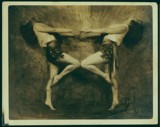 Swinney ( source nypl) dancers partnering each other in mirror pose, 1920s