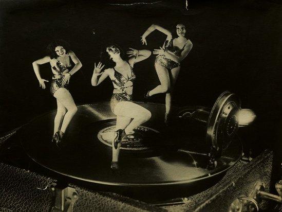 Elio Luxardo  -Ballerine futuriste, ca. 1930  Vintage gelatin silver print Galleria Luxardo, Roma
