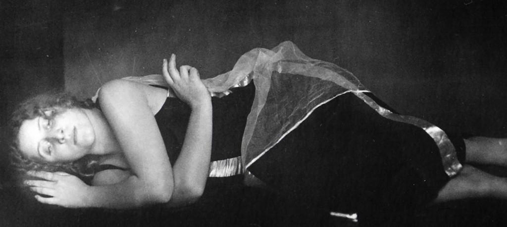 Hilde Holger in Prelude , Wien, 1926 Antios ( anton josef T)