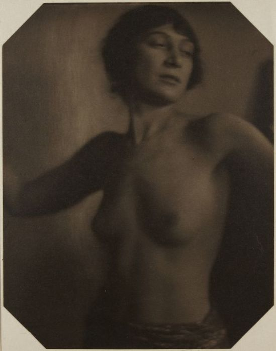 Clarence H. White- nude ,1910