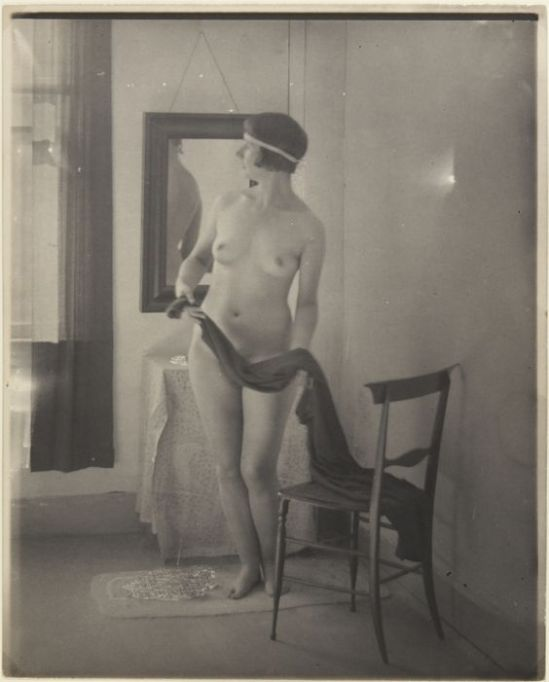 Clarence H. White- Nude posed indoors , 1920 – 1925