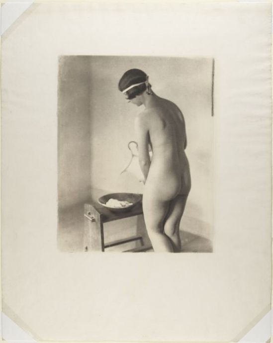 Clarence H. White- Nude posed indoors, 1900-10