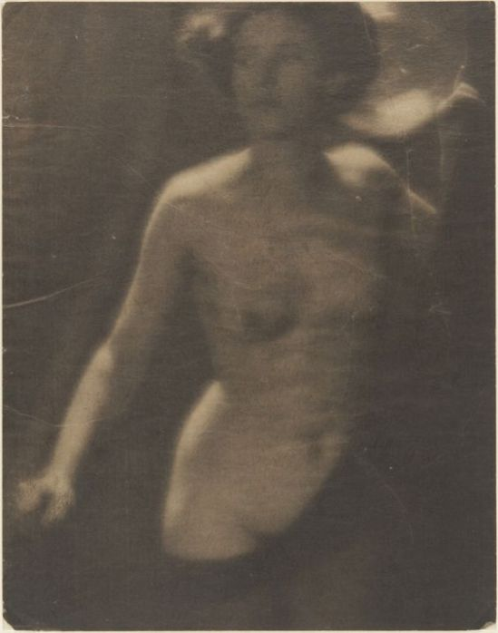 Clarence H. White- Untitled (Female nude),1907 Platinum print with graphite