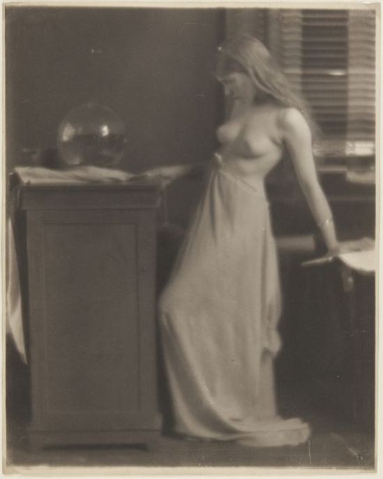 Clarence H. White- Young woman nude ,1910 s