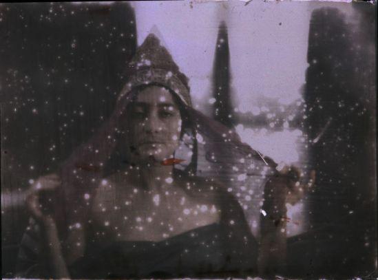 Ernest-Louis Lessieux femme au voile, apres 1907© Alienor.org, Le musée de l'île d'Oléron