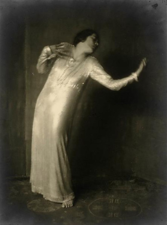 Nini & Carry Hess - Mary Wigman in Dance of Our Lives from the cycle The Seven Dances of Life, Gelatin silver print 1922
