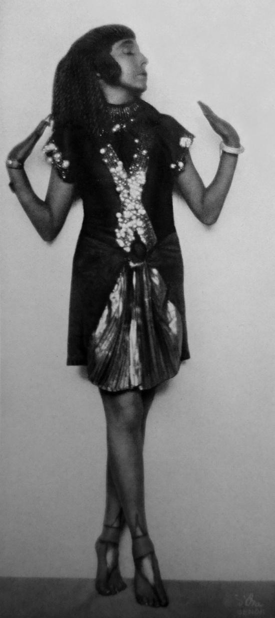 Madame d'Ora (Arthur Benda) -Sent M_Ahesa, nd