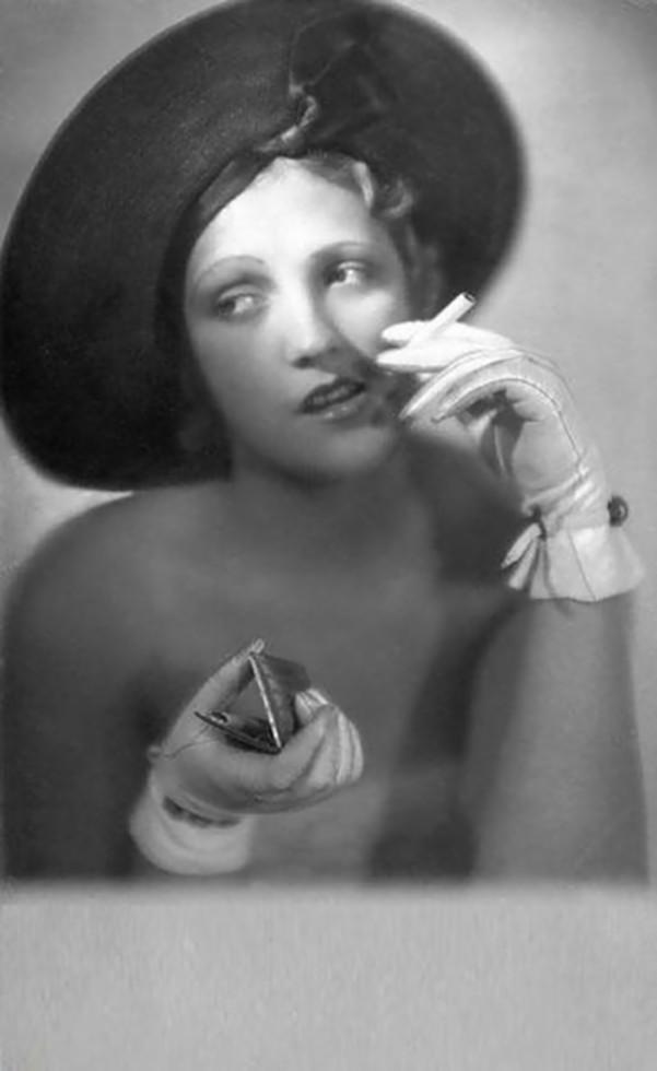 Atelier Manassé-Portrait de Grelt Berndt, 1930s
