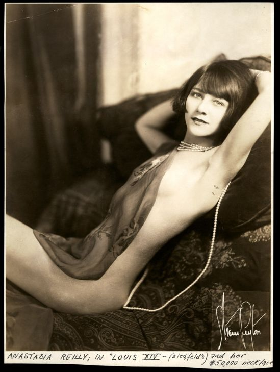 Sonia Denis  nackt