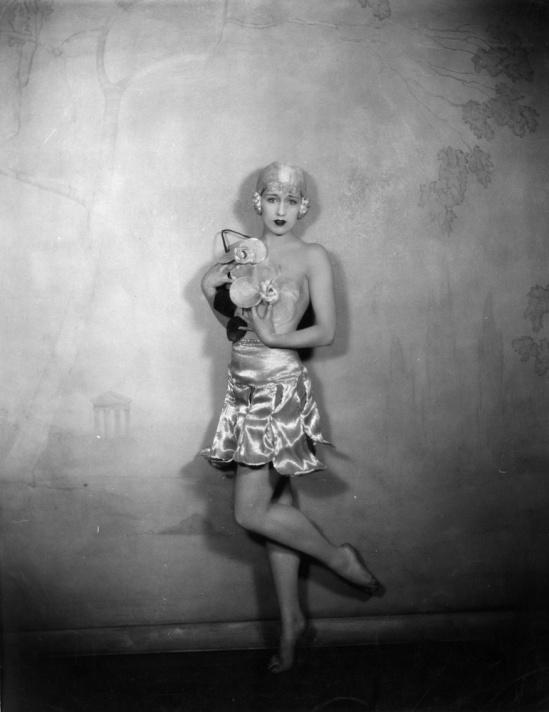 Nackt Jeanne Carmen  Ursula Andress